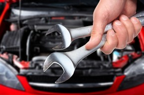 Automobilio variklis